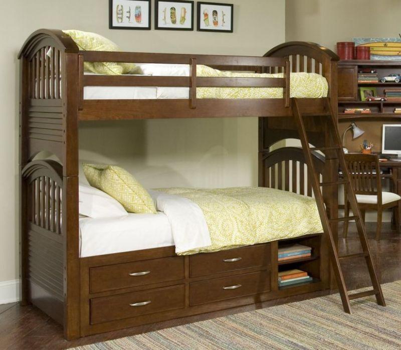 Удобная современная кровать из двух ярусов