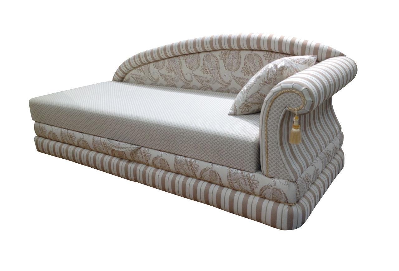 Угловая серая кровать