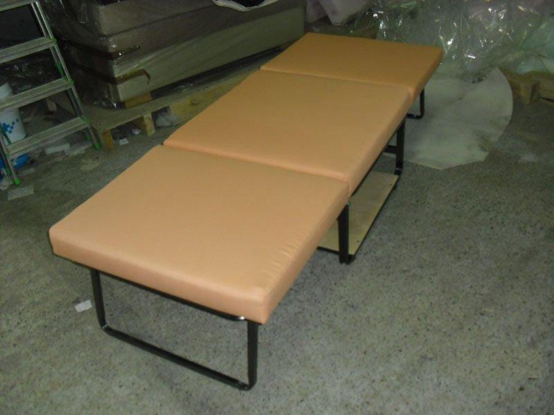 Вариант складной современной мебели со спальным местом