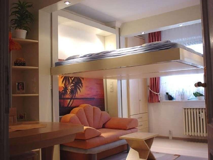 Возможно ли установить дополнительное место для сна под потолком