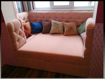 Встроенная мягкая мебель