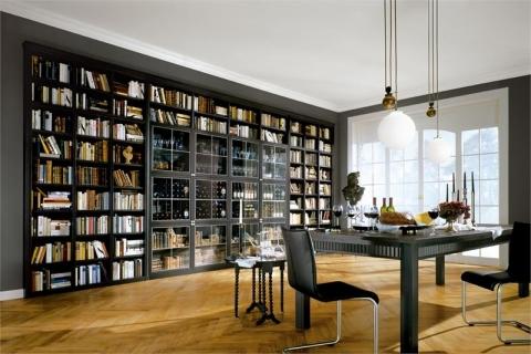 Встроенный большой черный книжный шкаф
