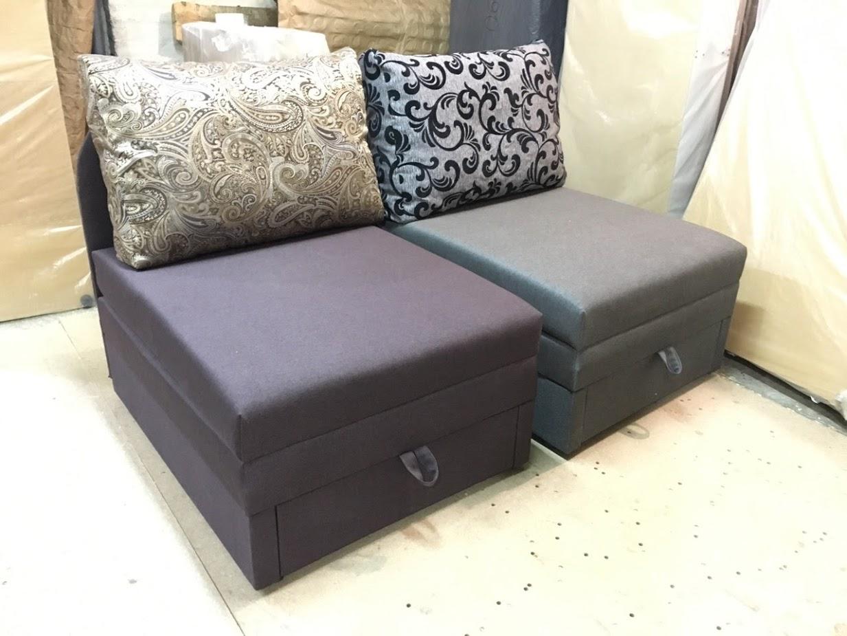 Выкатной удобный диванчик со спальным местом