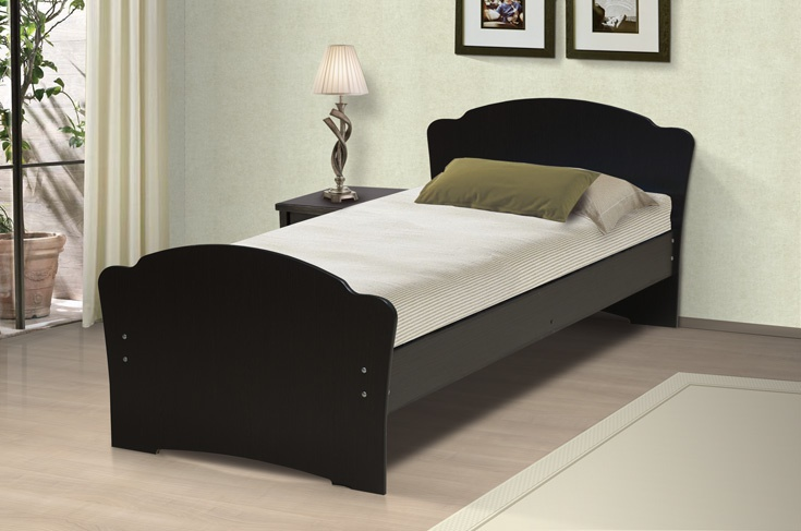 Высокая спинка односпальной модели кровати