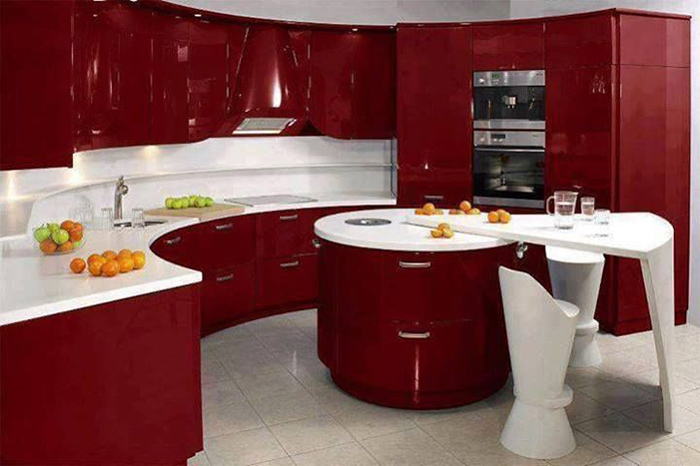Яркая бордовая мебель для кухни