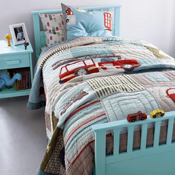 А эти два покрывала на детскую кровать – часть новой коллекции