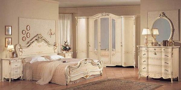 Антикварные предметы мебели