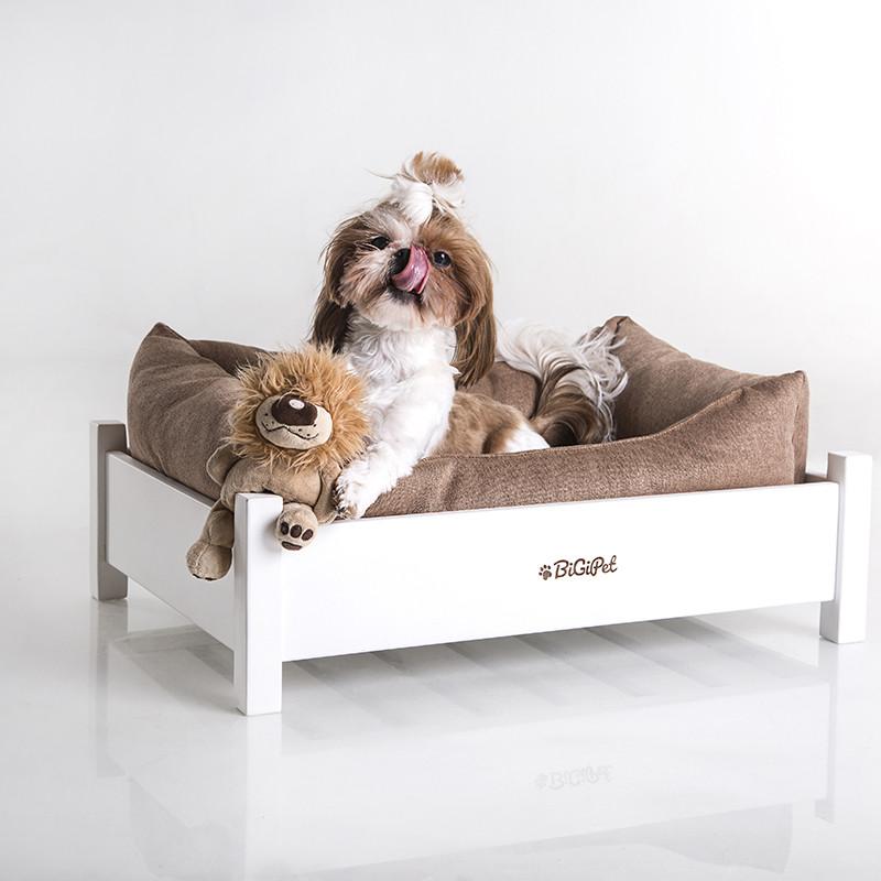 Белые предметы мебели