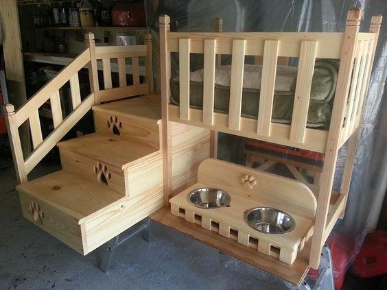Деревянная большая двухъярусная кровать для собаки