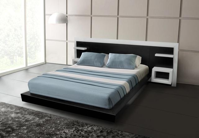 Деревянная кровать из массива в стиле модерн