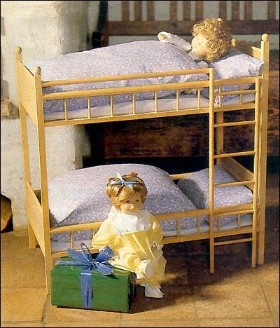 Деревянная мебель для игр ребенка