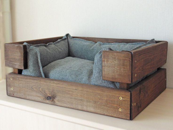 Деревянная мебель для животных