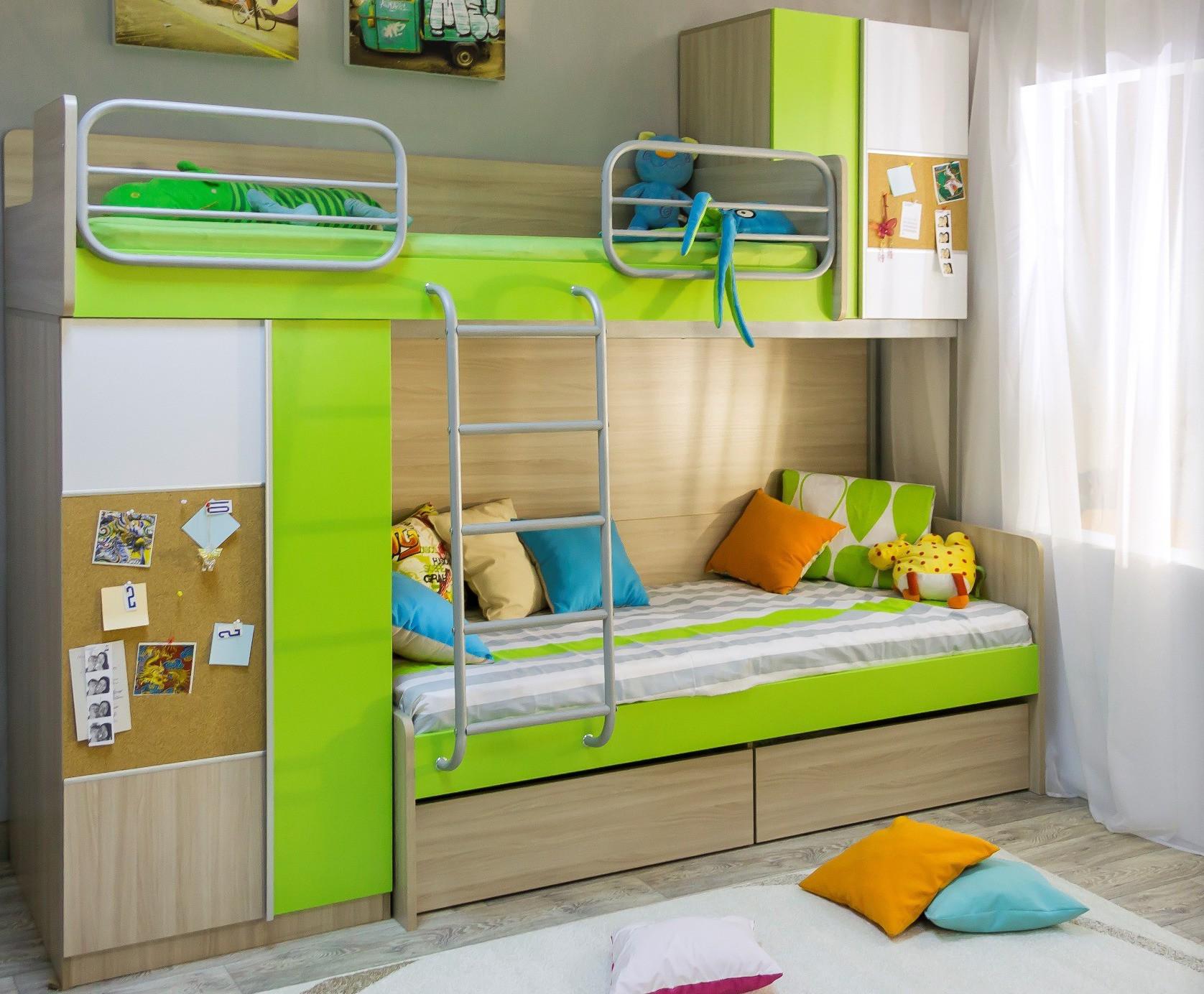 Детская двухъярусная кровать со шкафом