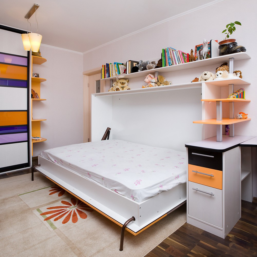 Детская комната с практичной мебелью.