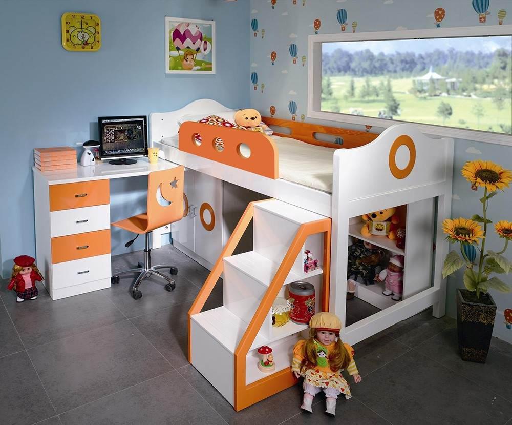 Детская кровать-чердак с игровой зоной и горкой