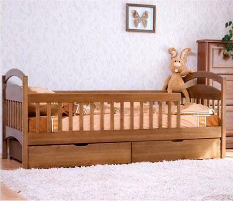Детская кровать из массива сосны с ящиками