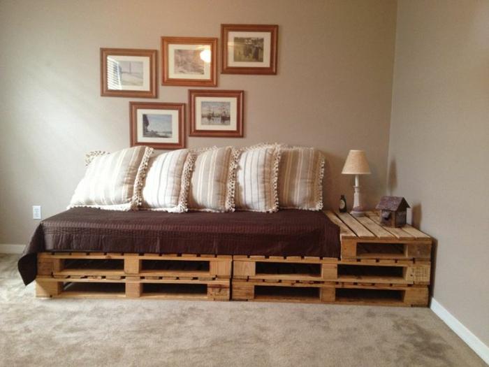 Диван-кровать из поддонов