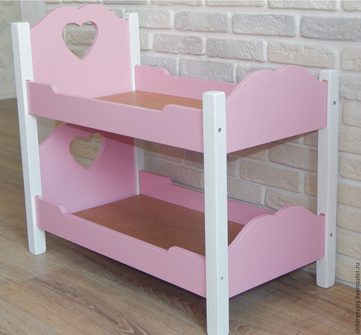 Двухъярусная кровать для кукол розовая из пластика