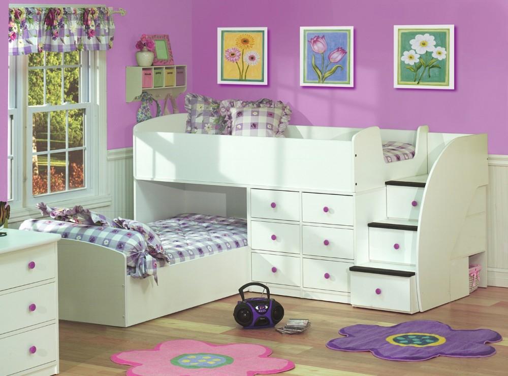 Двухъярусная кровать, объединенная с угловым шкафом и книжными полками