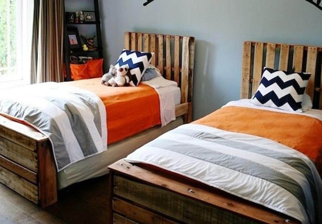 Двуспальная кровать из поддонов