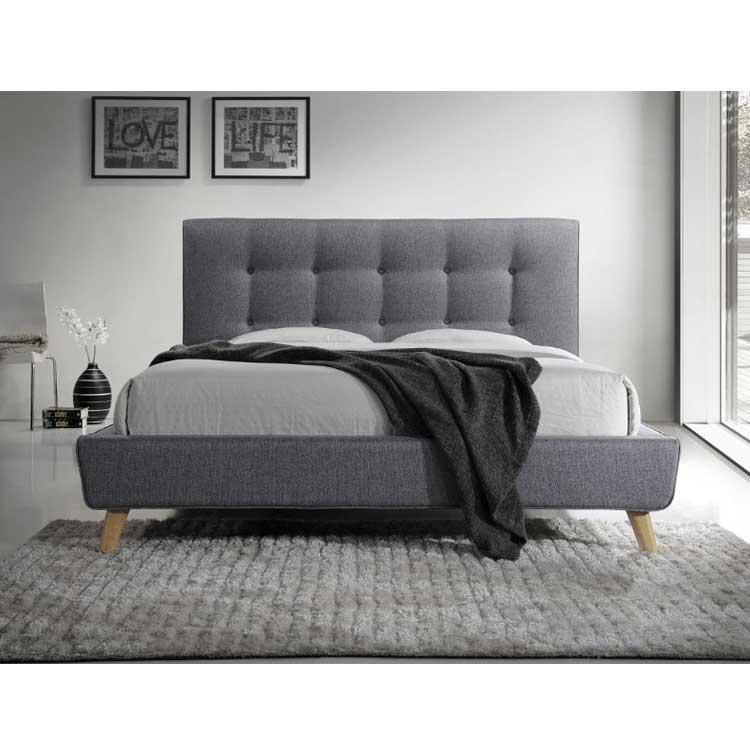 Двуспальная кровать мягкая серого цвета