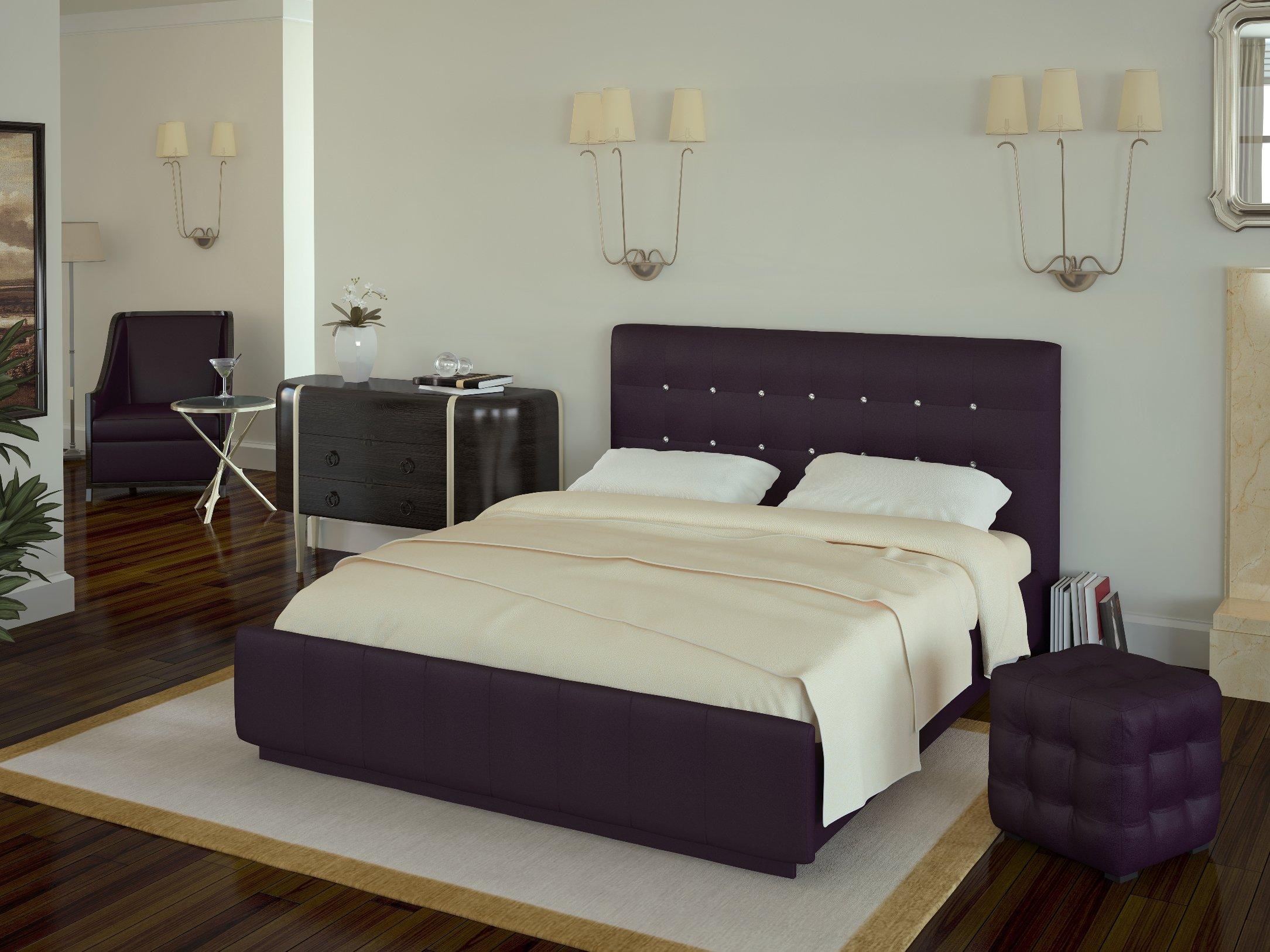 Фиолетовое изголовье современной кровати