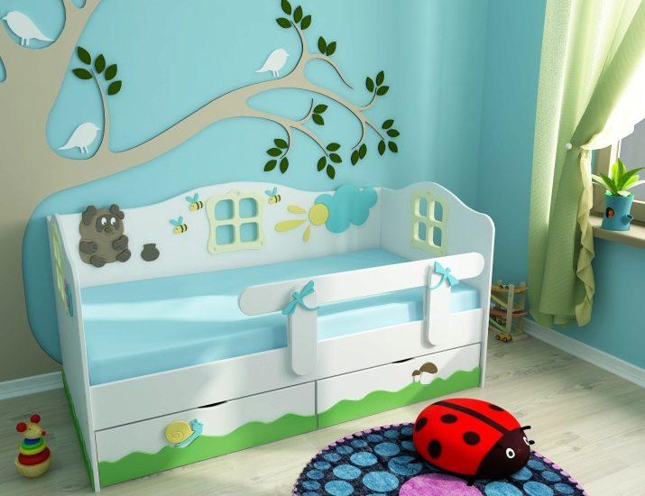 Голубые оттенки интерьера комнаты ребенка