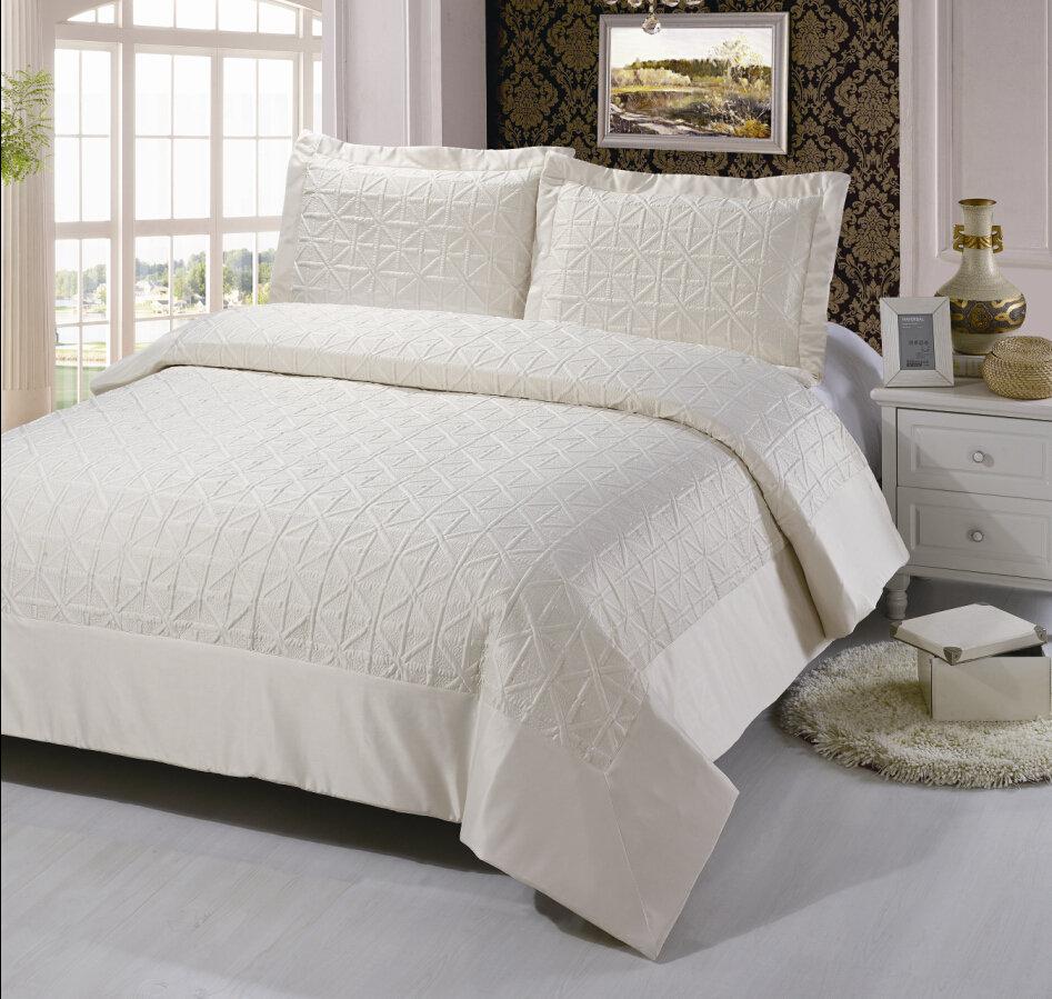 Как сделать кровать привлекательной с помощью текстиля
