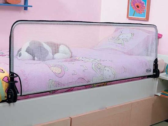 Как сделать кроватку ребенка безопасной