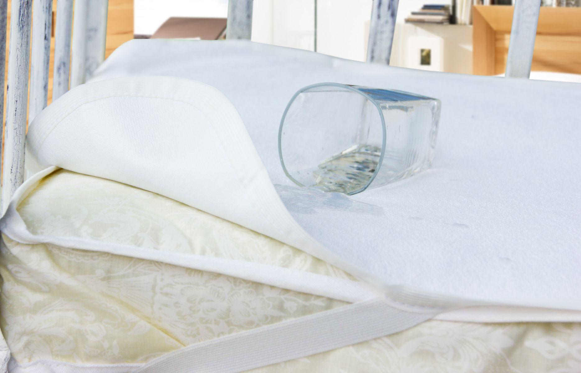 Как защитить матрас кровати
