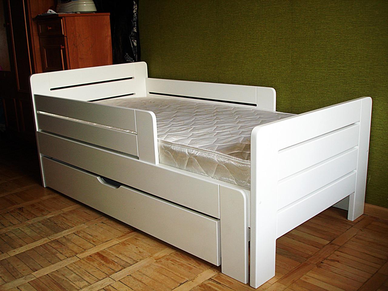 Классическая кровать для подростка