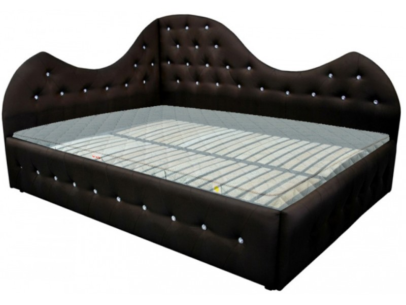 Коричневые стеганые кровати в интерьере
