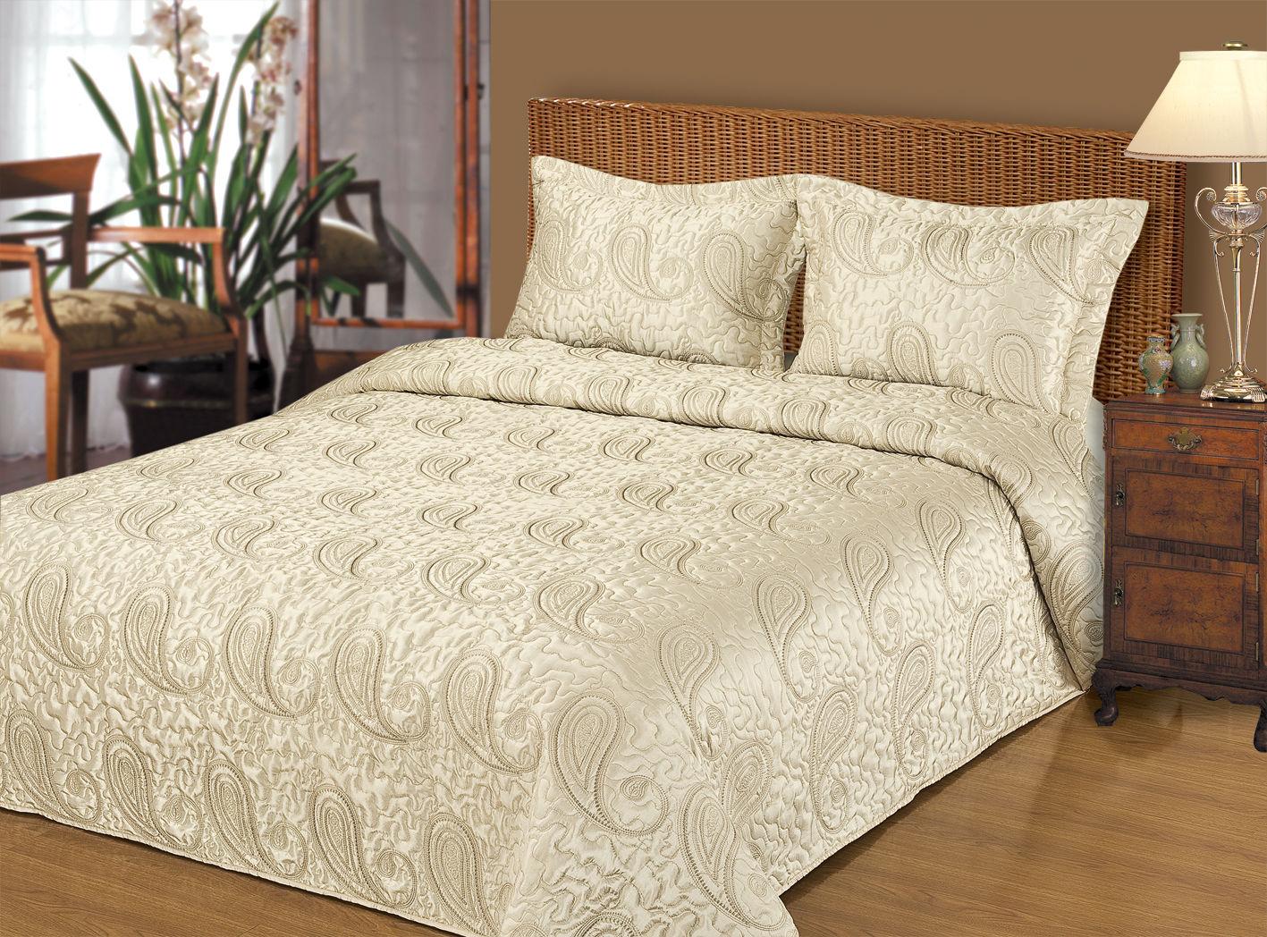 Красота двухспальной кровати