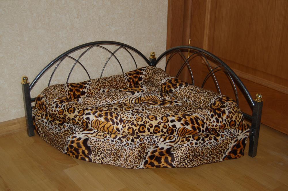 Кровать для маленькой собаки угловая