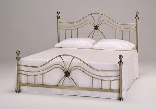 Кровать из прочного материала