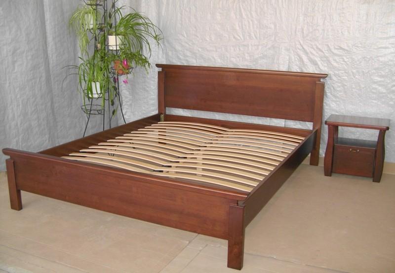 Кровать из сосны и ольхи
