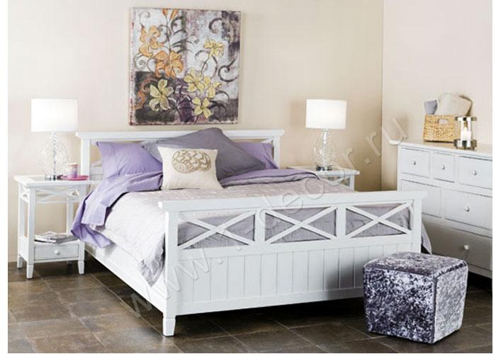 Кровать кантри белого цвета