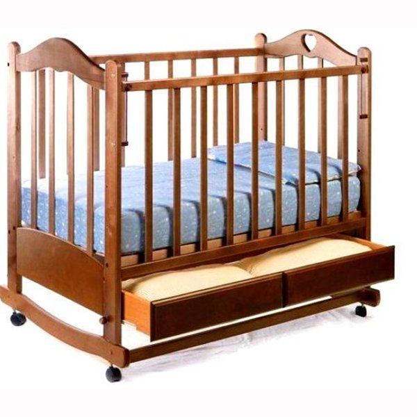 Кровать на колесах