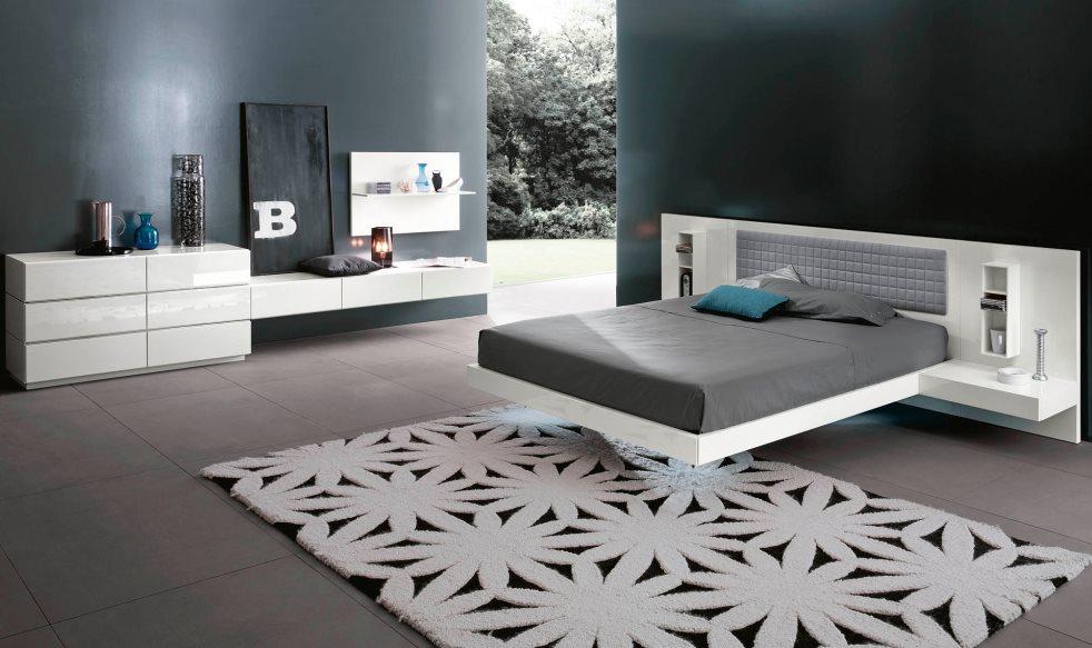 Кровать над покрытием пола