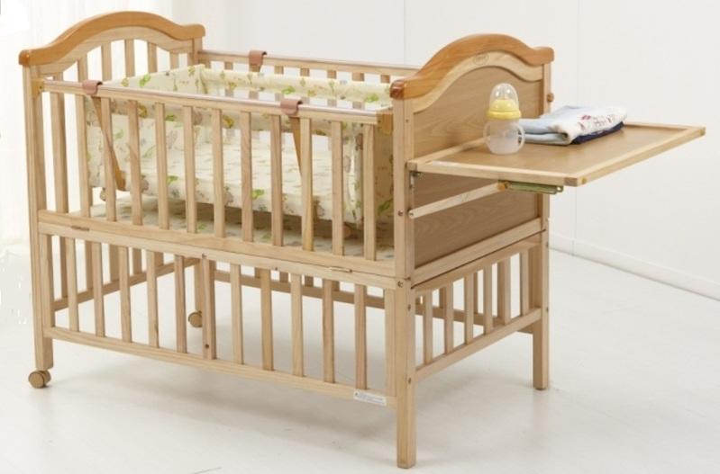 Кровать с пеленатором