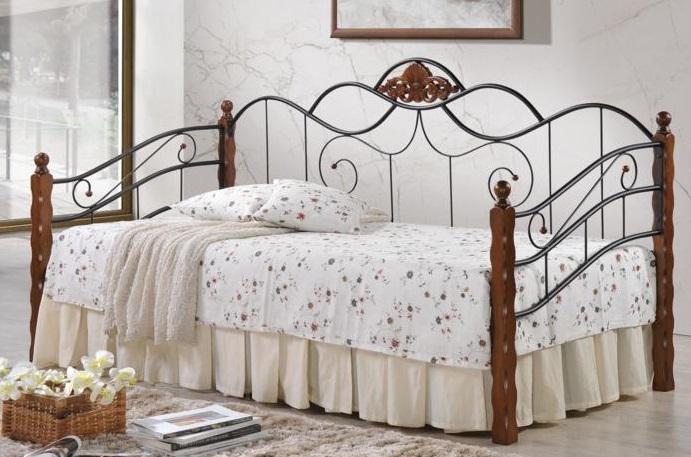 Кровать-софа из малазийской ковки