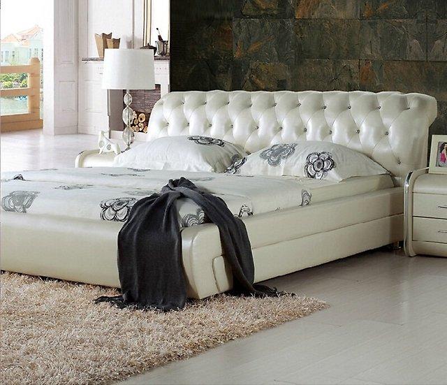 Кровать в коже+стразы