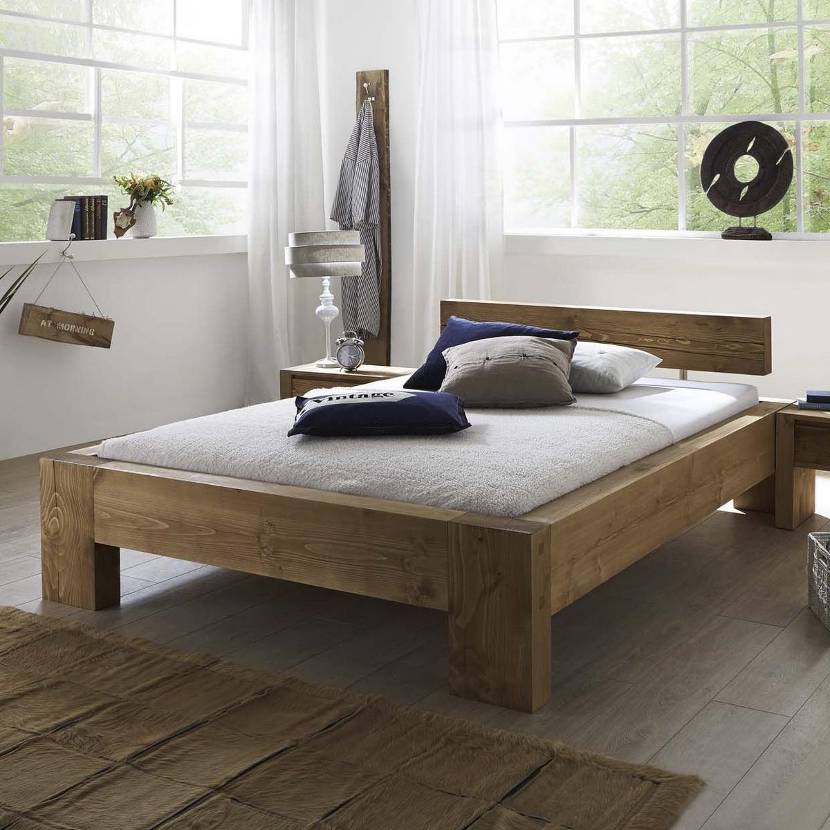 Кровать, выполненная из деревянного бруса, станет отличным вариантом для детской комнаты