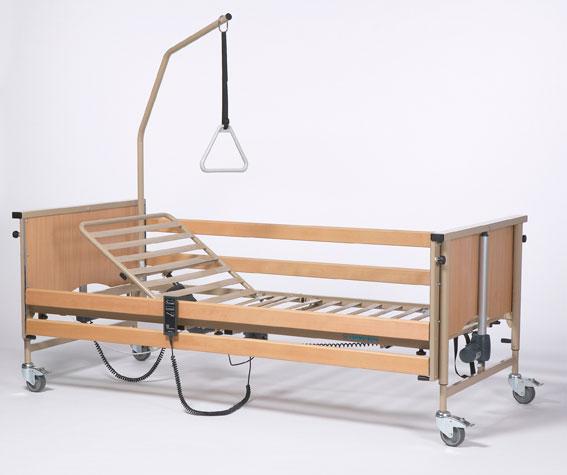 Кровати для инвалидов из дерева и металла
