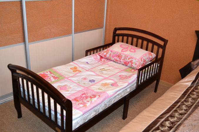 Мебель для сна на основе натурального дерева