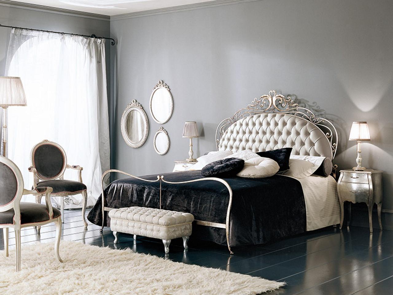 Мебель из металла со стегаными покрытиями