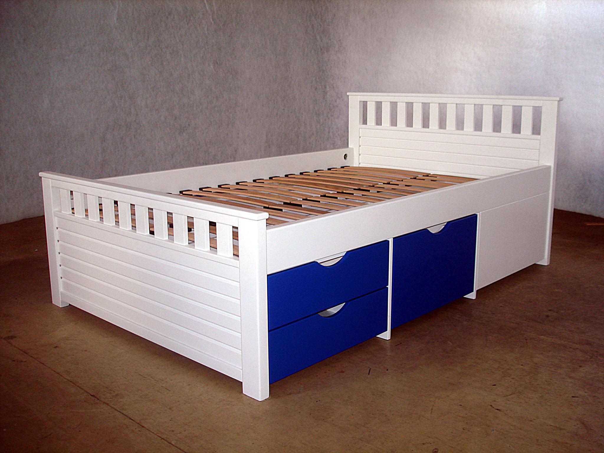 Мебель на основе пластика для сна