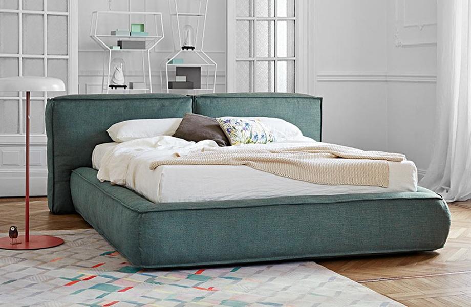 Мягкая кровать