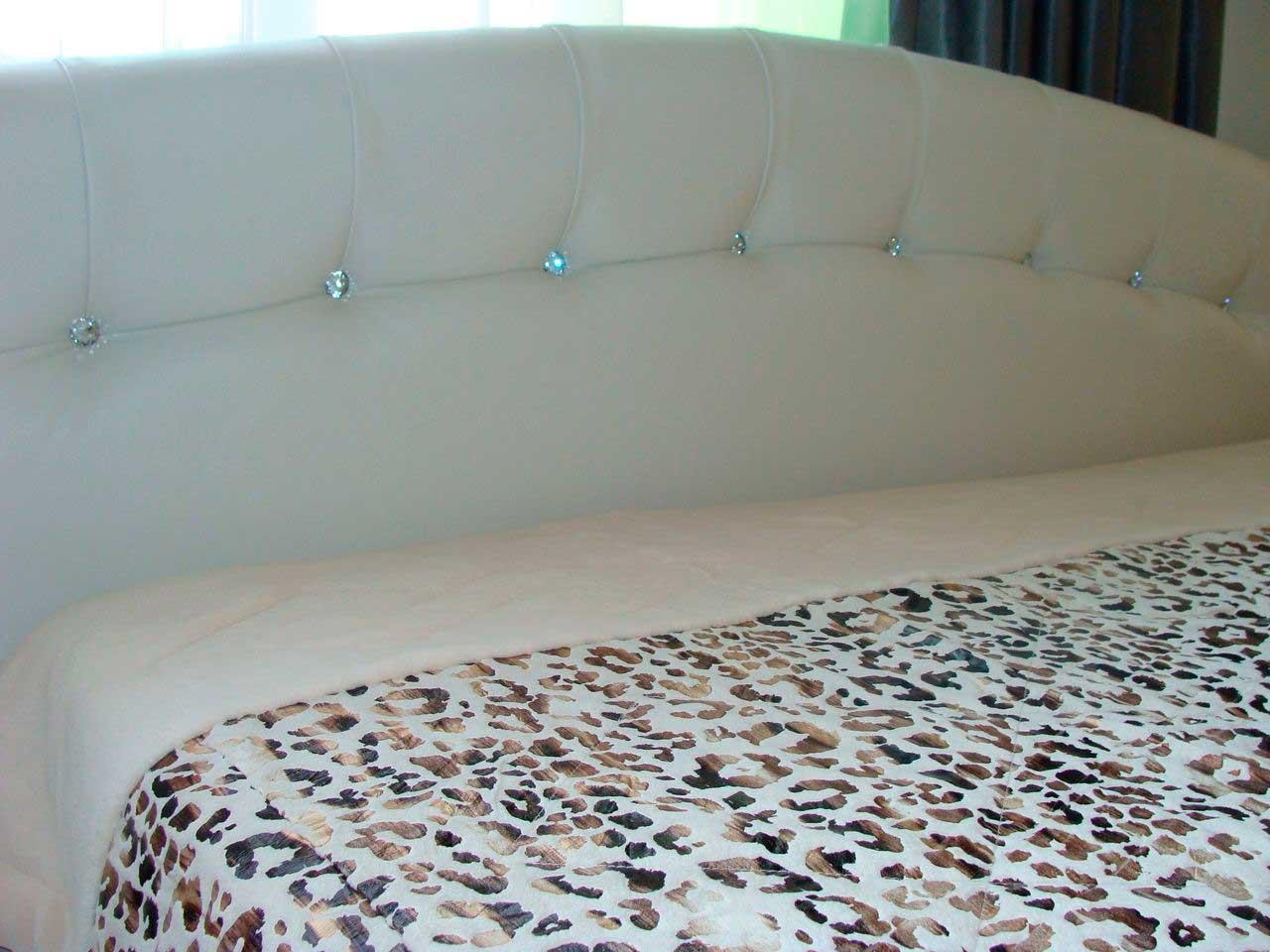 Мягкая мебель и ее оформление