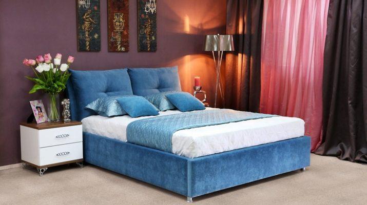 Мягкая мебель в синем цвете